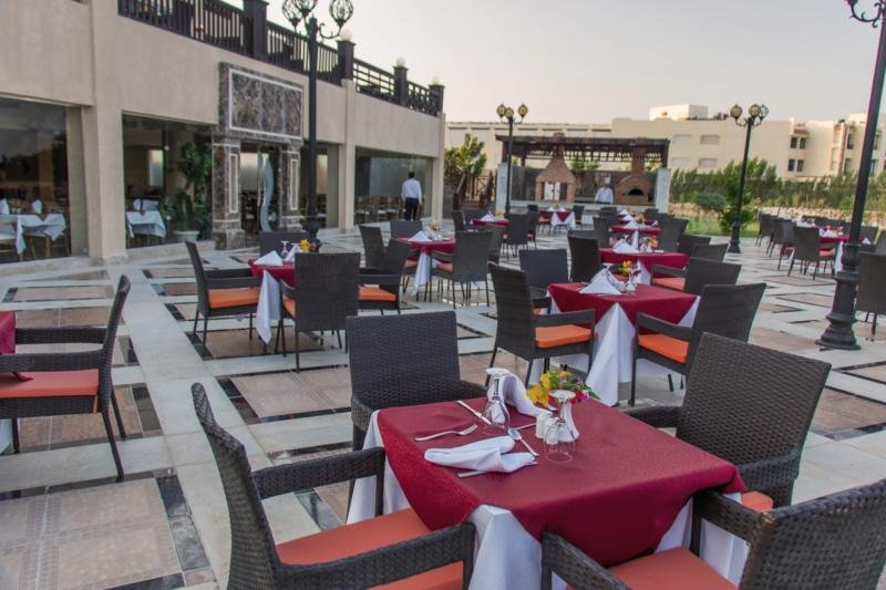 Samra Bay Hotel & Resort Restaurant