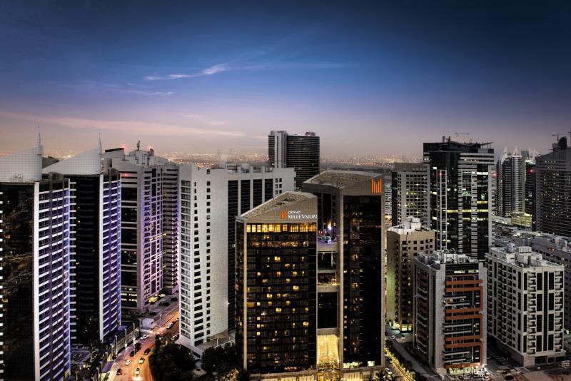 Grand Millennium Dubai Außenaufnahme