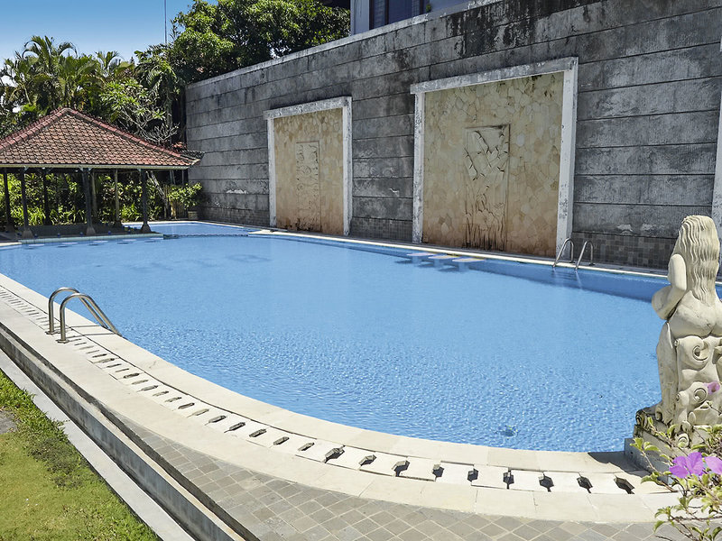 The Cakra Hotel Pool