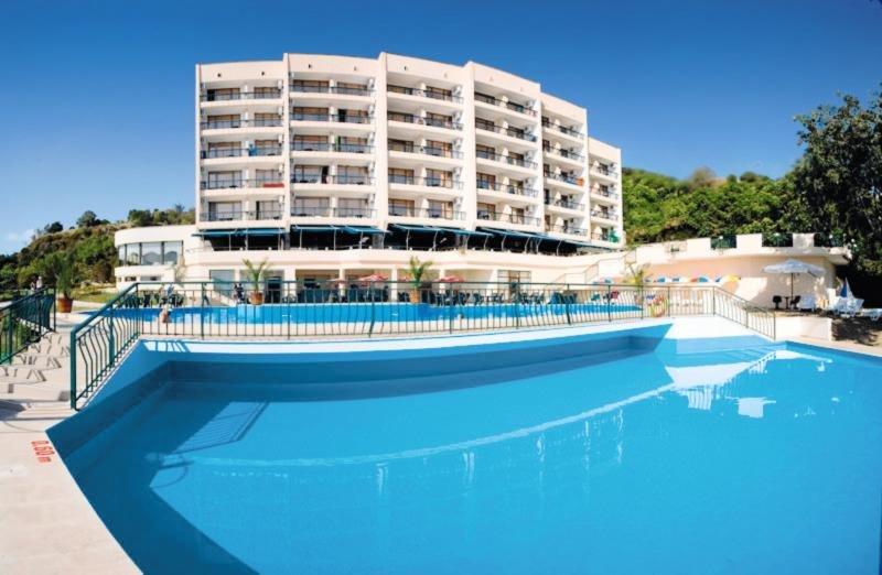 Magnolia Hotel & Spa Pool