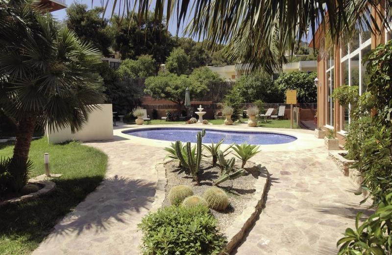 BQ Bulevar Paguera Pool